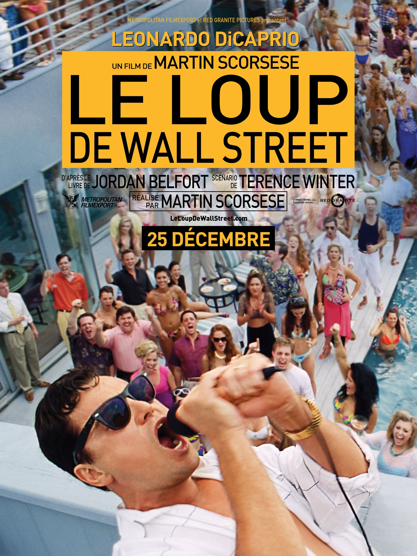 Affiche française du film Le Loup de Wall Street avec Leonardo DiCaprio au micro