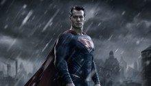 Photo promotionnelle du film Batman V Superman: Dawn Of Justice réalisé par Zack Snyder, sur un scénario de Chris Terrio, avec Henry Cavill (Superman)