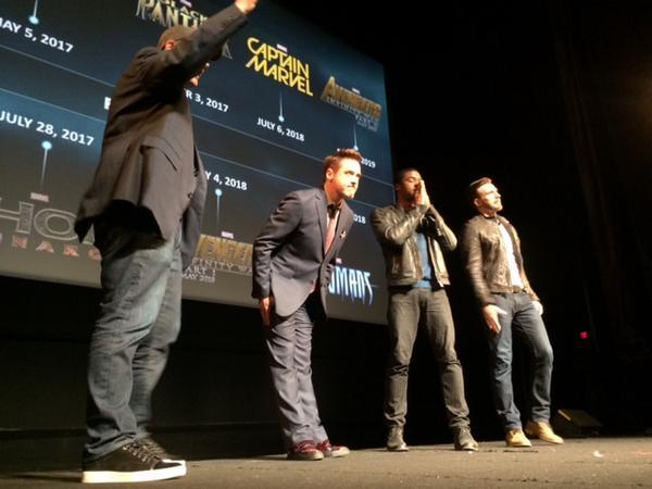 Photo du Twitter de Robert Downey Jr. avec  Chris Evans et Chadwick Boseman.