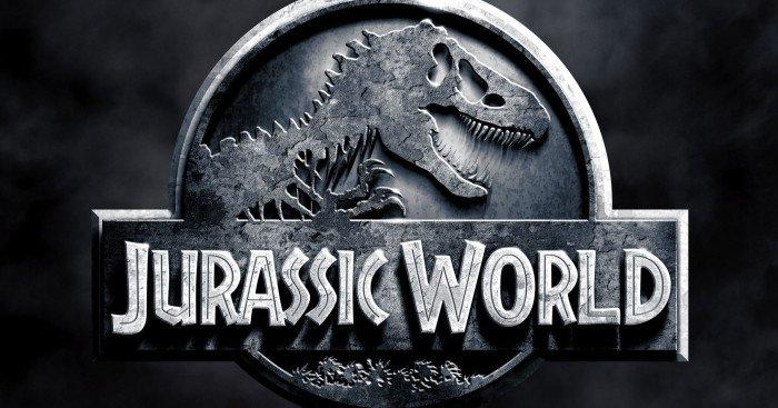 Poster du film Jurassic World réalisé par Colin Trevorrow avec Chris Pratt, Bryce Dallas Howard, Vincent D'Onofrio