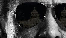Affiche française du film Secret d'État réalisé par Michael Cuesta avec Jeremy Renner