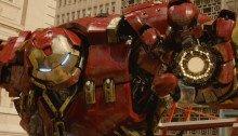 Photo du film Avengers: l'Ère d'Ultron écrit et réalisé par Joss Whedon avec le Hulkbuster