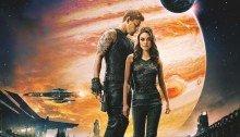 Affiche du film Jupiter: Le Destin de l'univers réalisé par Andy Wachowski, Lana Wachowski avec Mila Kunis, Eddie Redmayne, Channing Tatum