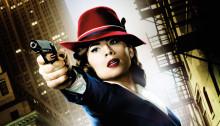 Poster sans texte de la série Agent Carter diffusée sur ABC avec Hayley Atwell, Dominic Cooper, James D'Arcy, Chad Michael Murray, Enver Gjokaj, Shea Whigham, Kyle Bornheimer.