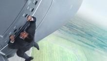 Poster du film Mission:Impossible Rogue Nation réalisé par Christopher McQuarrie, d'après un scénario écrit par Drew Pearce et Will Staples, avec Tom Cruise, Simon Pegg, Jeremy Renner, Alec Baldwin, Rebecca Ferguson et Ving Rhames