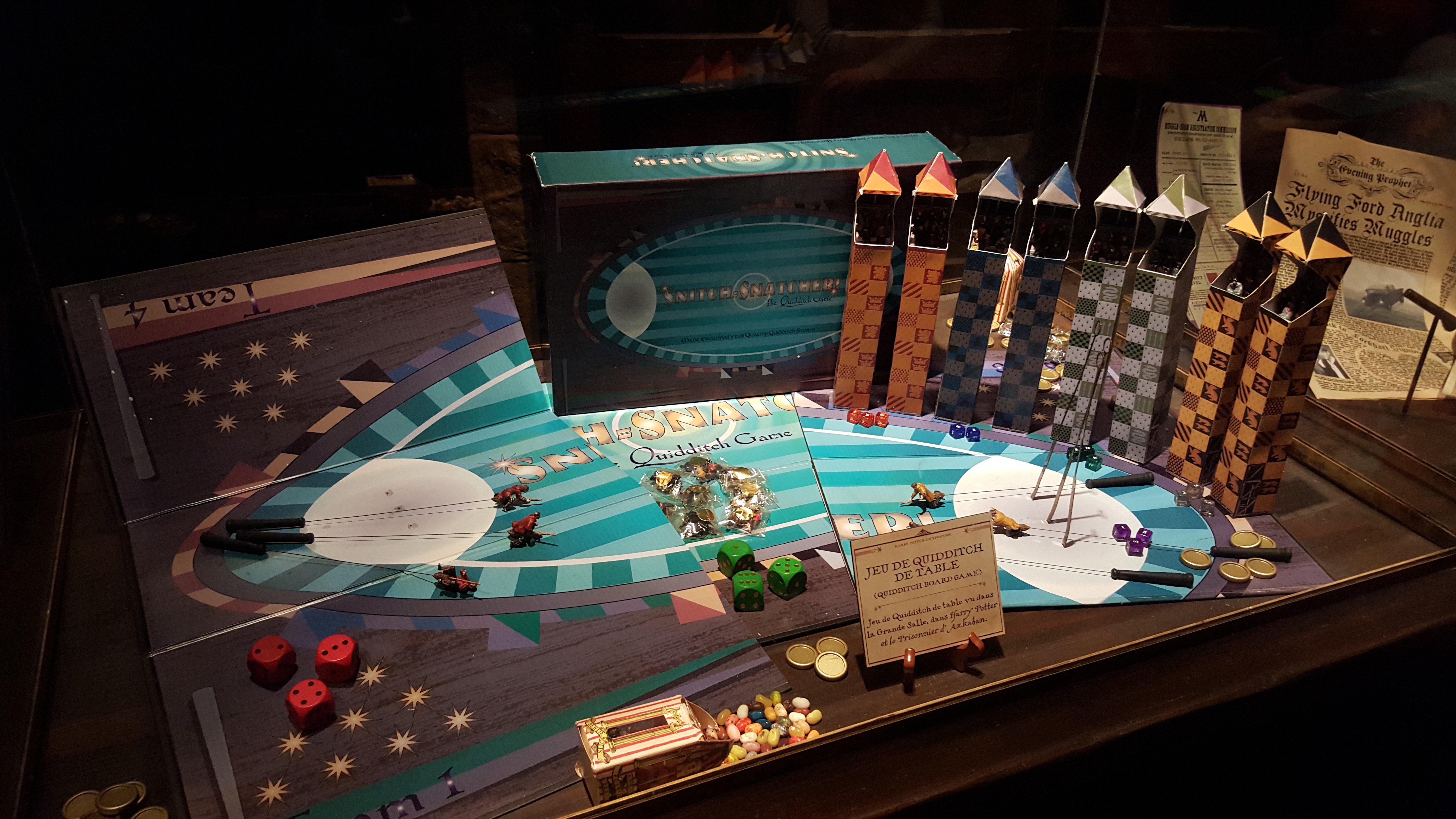 photo harry potter l 39 exposition la cit du cin ma jeu de quidditch de table. Black Bedroom Furniture Sets. Home Design Ideas
