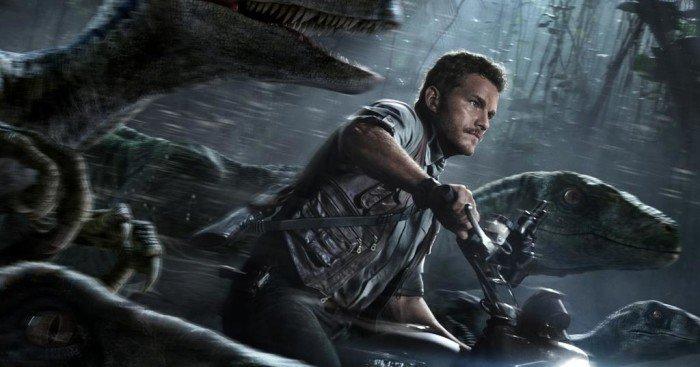 Poster du film Jurassic World réalisé par Colin Trevorrow avec Chris Pratt et ses raptors