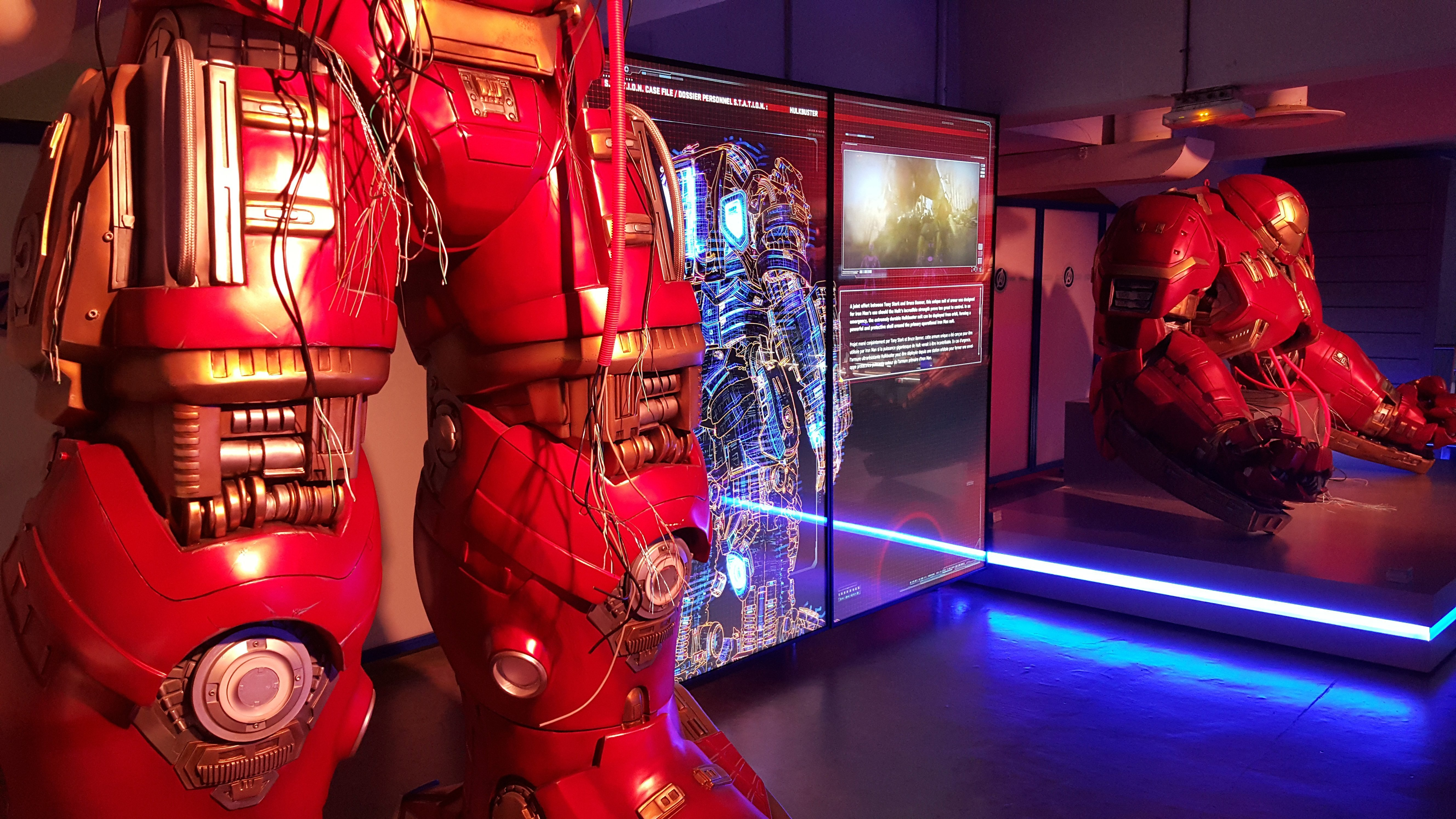 photo exposition marvel avengers station hulkbuster