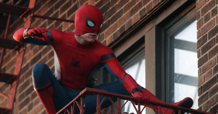 Photo de Tom Holland sur le tournage de Spider-Man: Homecoming