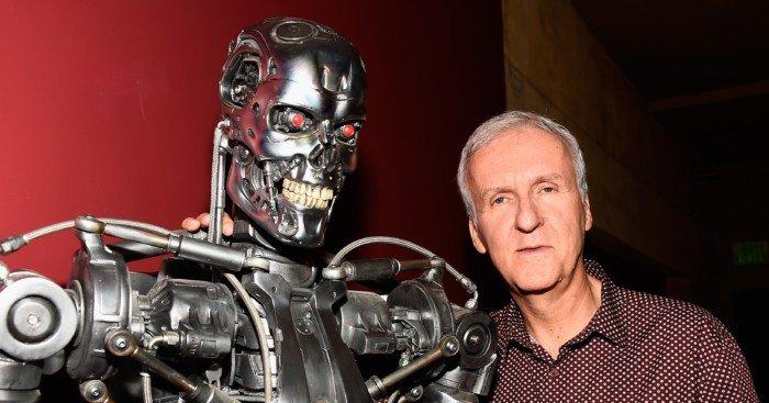 Photo de James cameron aux côtés du T-800 (Terminator)