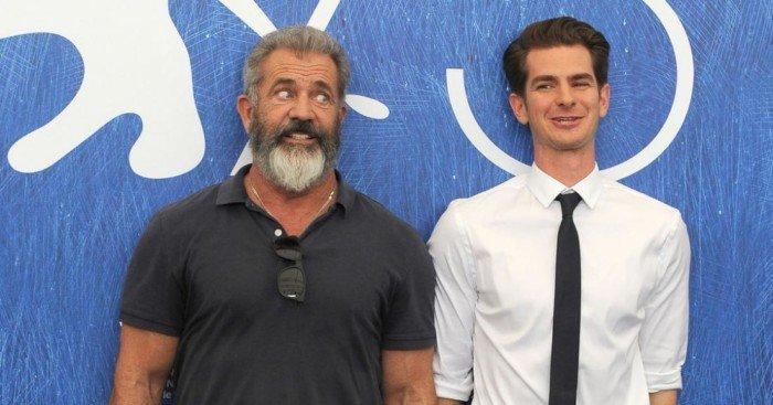 Photo de Mel Gibson et Andrew Garfield à l'avant-première à Venice de Tu ne tueras point