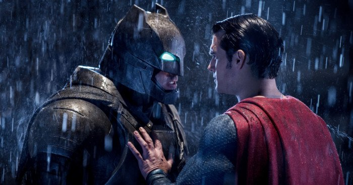 Photo du film Batman v Superman: L'Aube de la Justice avec Batman face à Superman