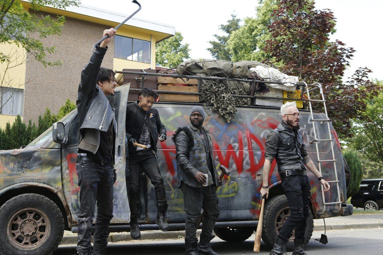 Photo de la saison 1 de Dirk Gently, détective holistique avec les trois voyous