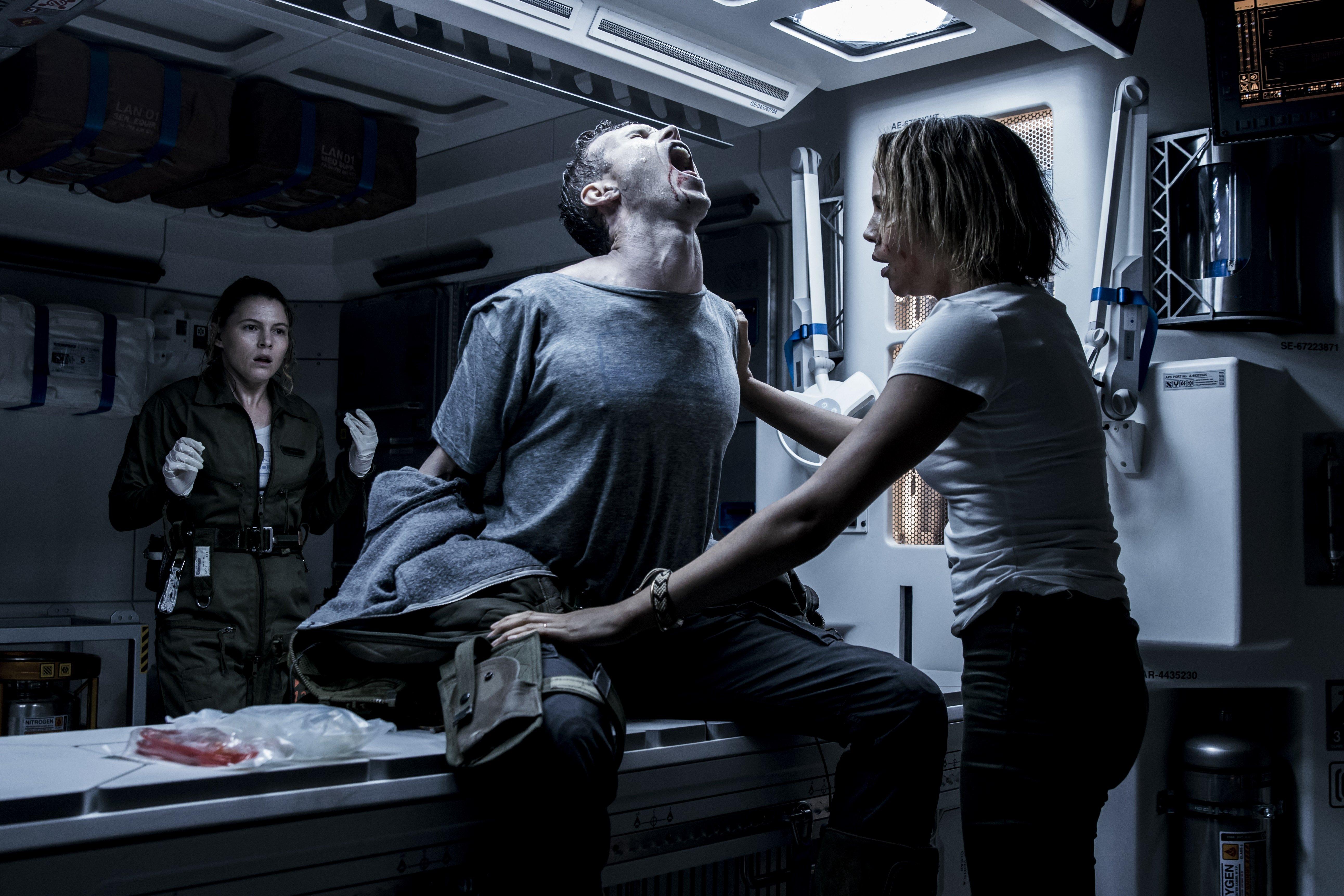 Photo d'une attaque alien dans Alien: Covenant