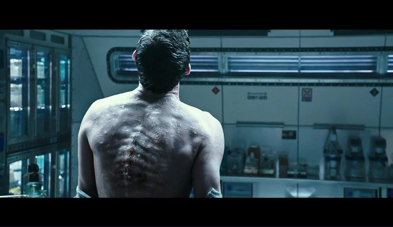 Photo d'Alien: Covenant avec un alien sortant du dos