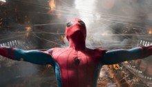 Photo de la nouvelle version de la scène du ferry coupée en deux dans Spider-Man: Homecoming.