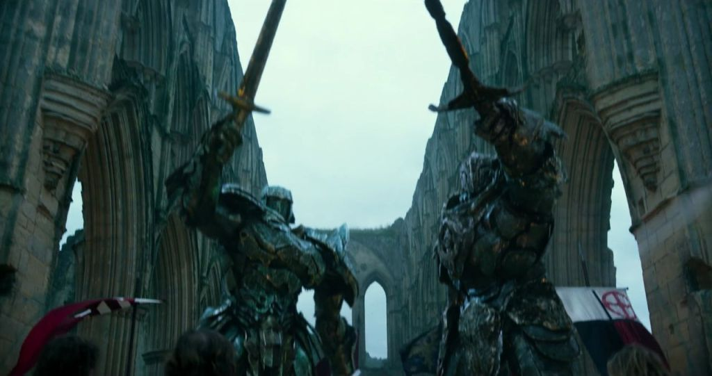 Photo du film Transformers: The Last Knight avec des Transformers chevaliers