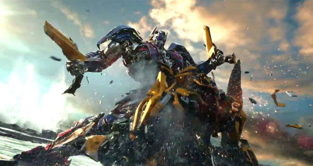 Photo du film Transformers: The Last Knight avec des Transformers avec Optimus et Bumblebee