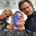 Photo de Josh Brolin dans la salle de maquillage pour devenir Cable