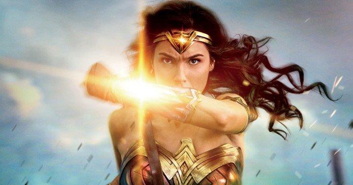 Affiche française de Wonder Woman avec Gal Gadot