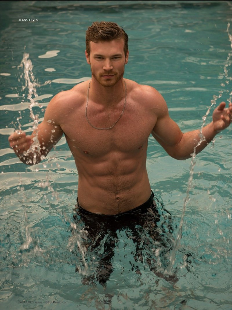 Photo de l'acteur Derek Theler