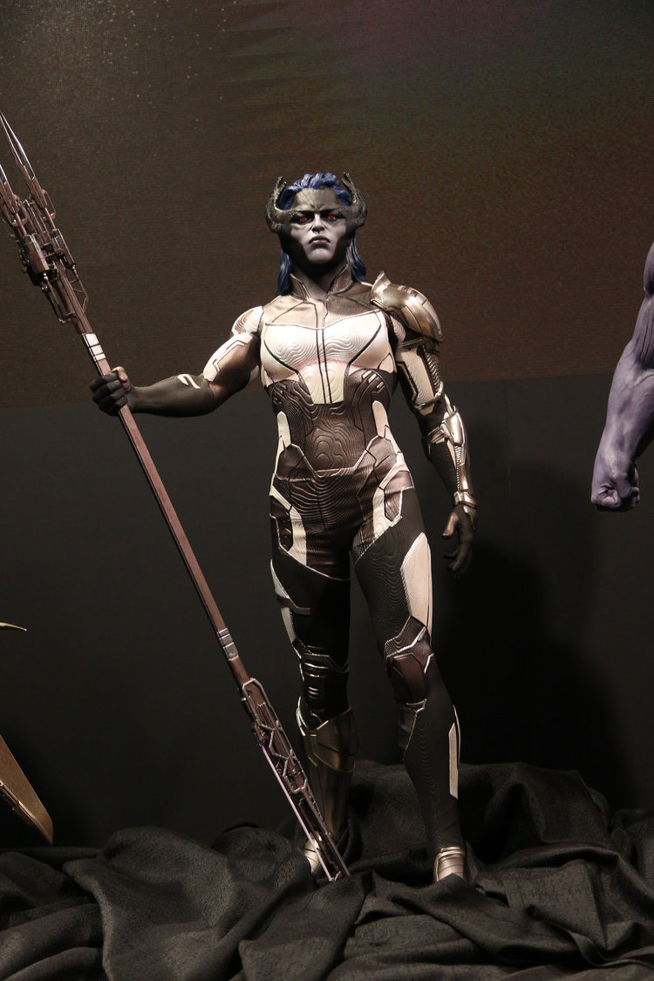 Photo du film Avengers: Infinity War au D23 2017 avec Proxima Midnight