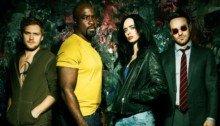 Poster de la saison 1 de la série Marvel/Netflix, The Defenders