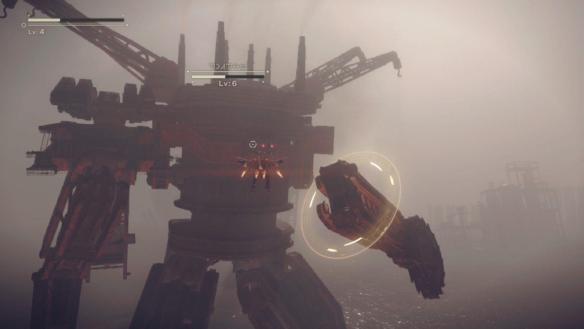 Image d'un combat à bord d'un vaisseau dans le jeu vidéo NieR:Automata