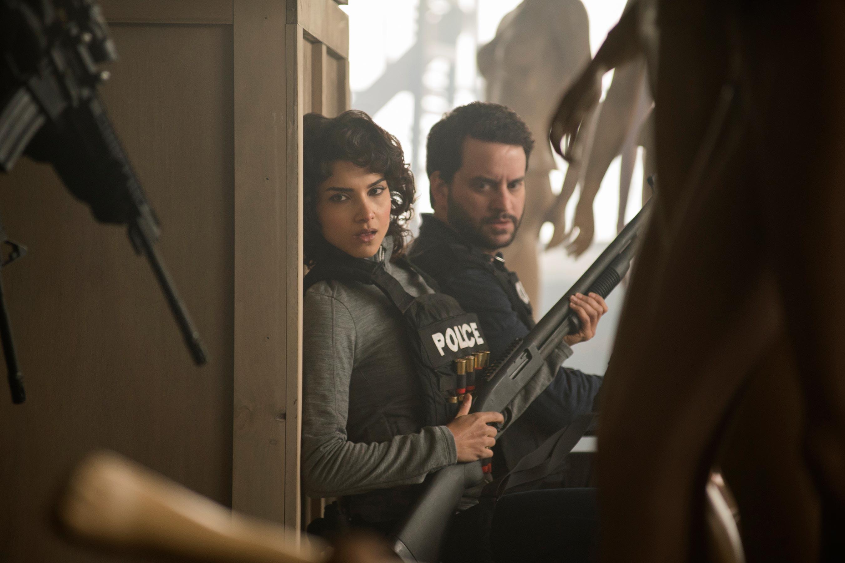 Photo de la saison 1 de The Punisher avec Dinah Madani et Sam Stein