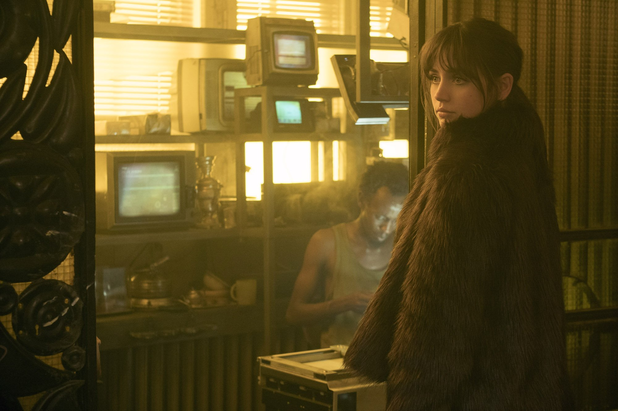 Photo du film Blade Runner 2049 avec Joi (Ana de Armas)