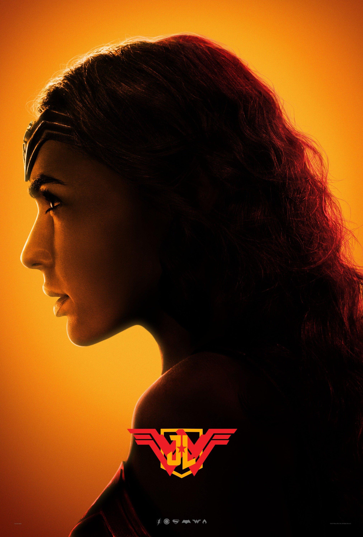Poster jaune du film Justice League avec Wonder Woman