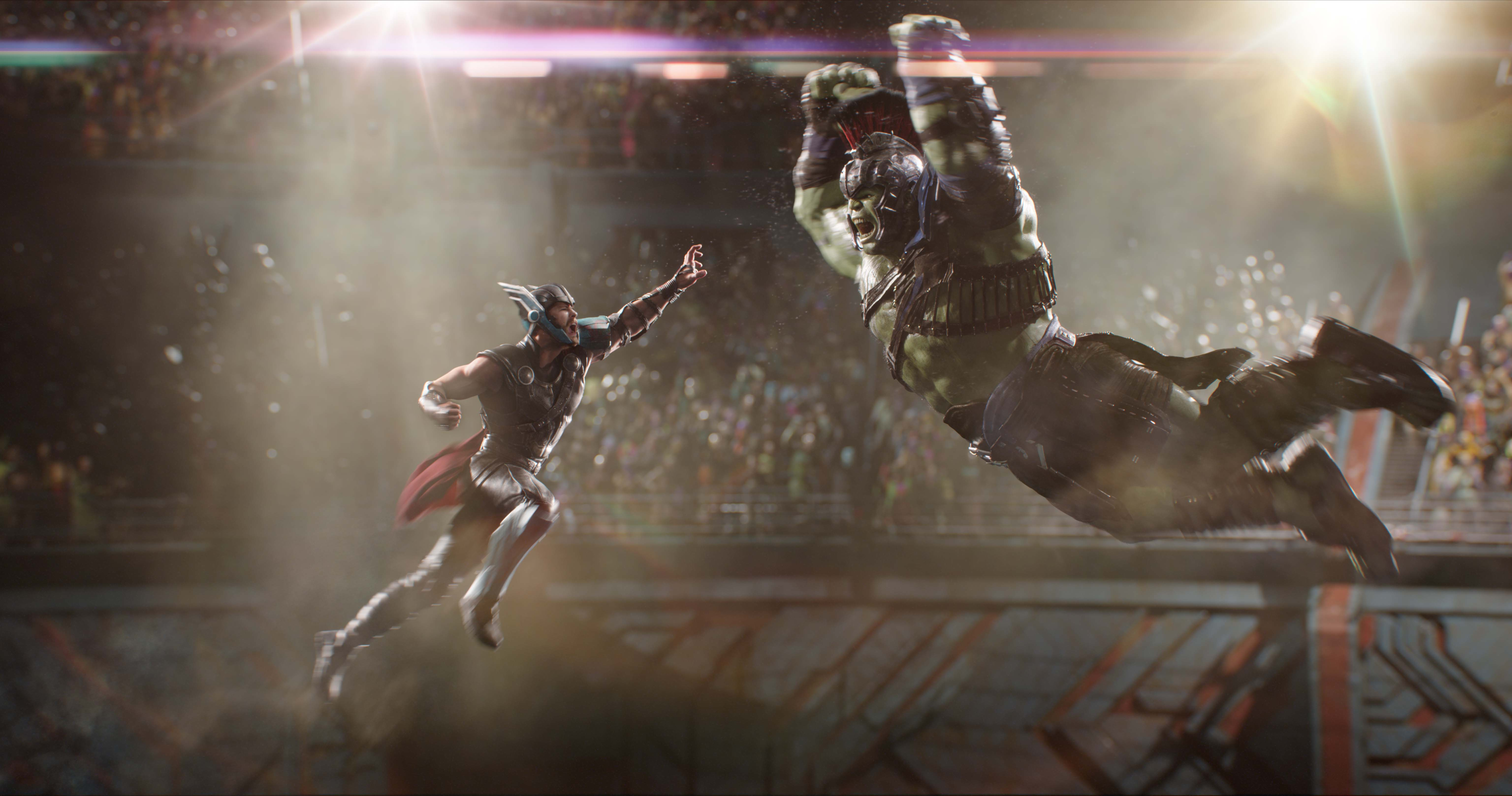 Photo du film Thor: Ragnarok avec Thor face à Hulk