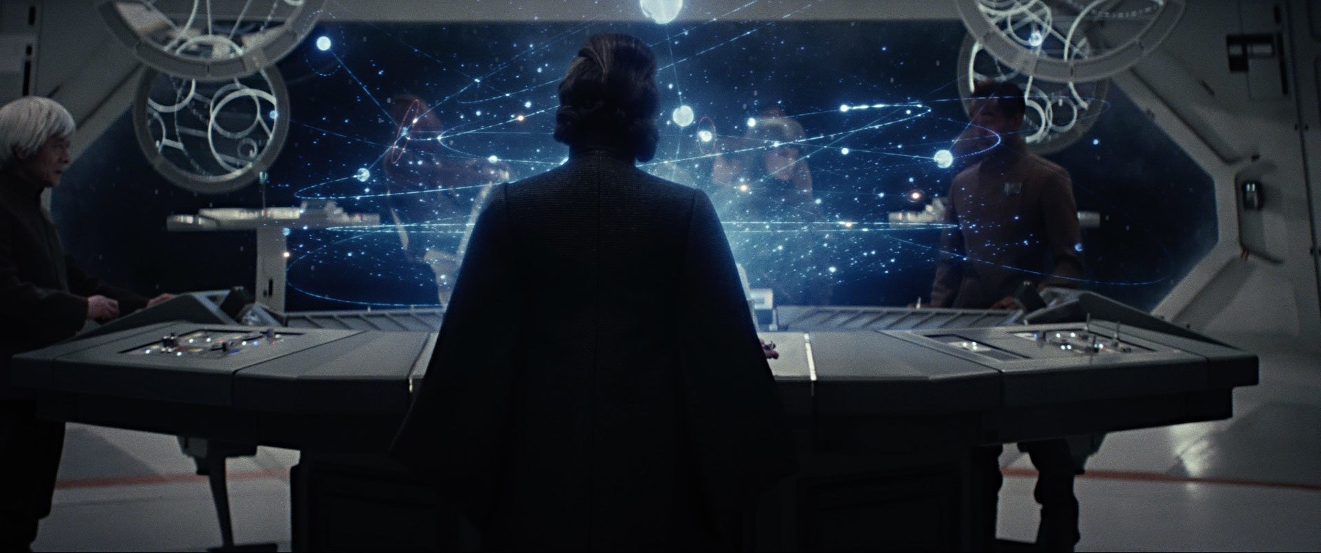 Photo du film Star Wars: Les Derniers Jedi avec la silhouette de Leia