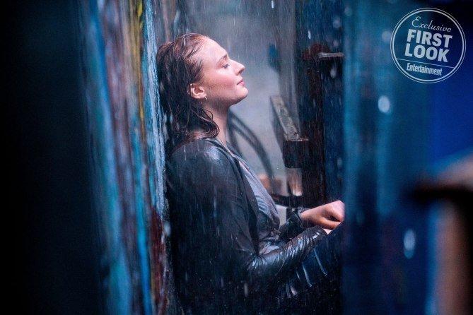 Photo du film X-Men: Dark Phoenix avec Sophie Turner sous la pluie