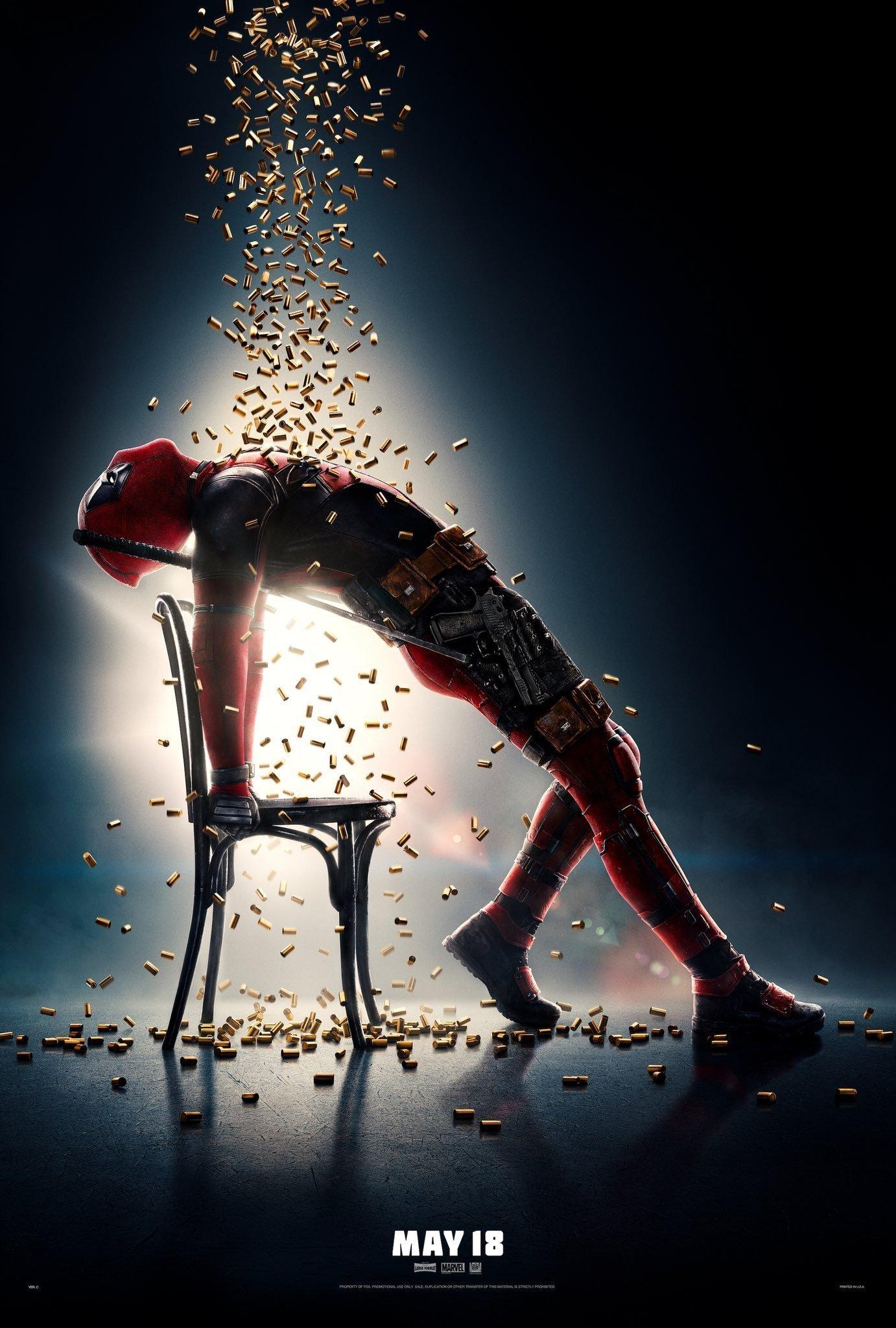 Poster de Deadpool en mode Flashdance sous une pluie de balles