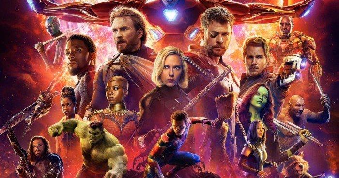 Poster officiel du film Avengers: Infinity War réalisé par Anthony et Joe Russo, d'après un scénario de Christopher Markus et Stephen McFeely