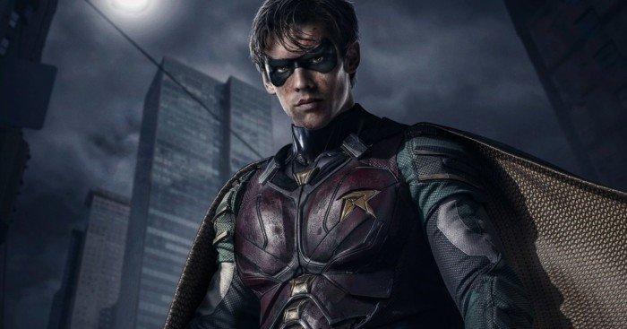 Deuxième photo pour la série DC Universe, Titans, avec Robin (Brenton Thwaites)