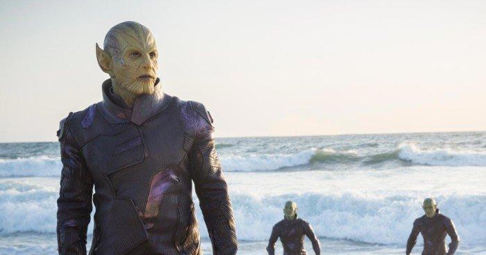 Photo du film Captain Marvel avec les Skrulls à la plage