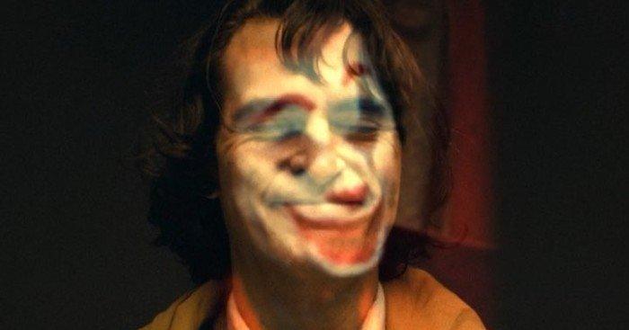 Photo partagée par le réalisateur Todd Phillips sur Instagram présentant Joaquin Phoenix en Arthur Fleck puis le Joker pour le film Joker