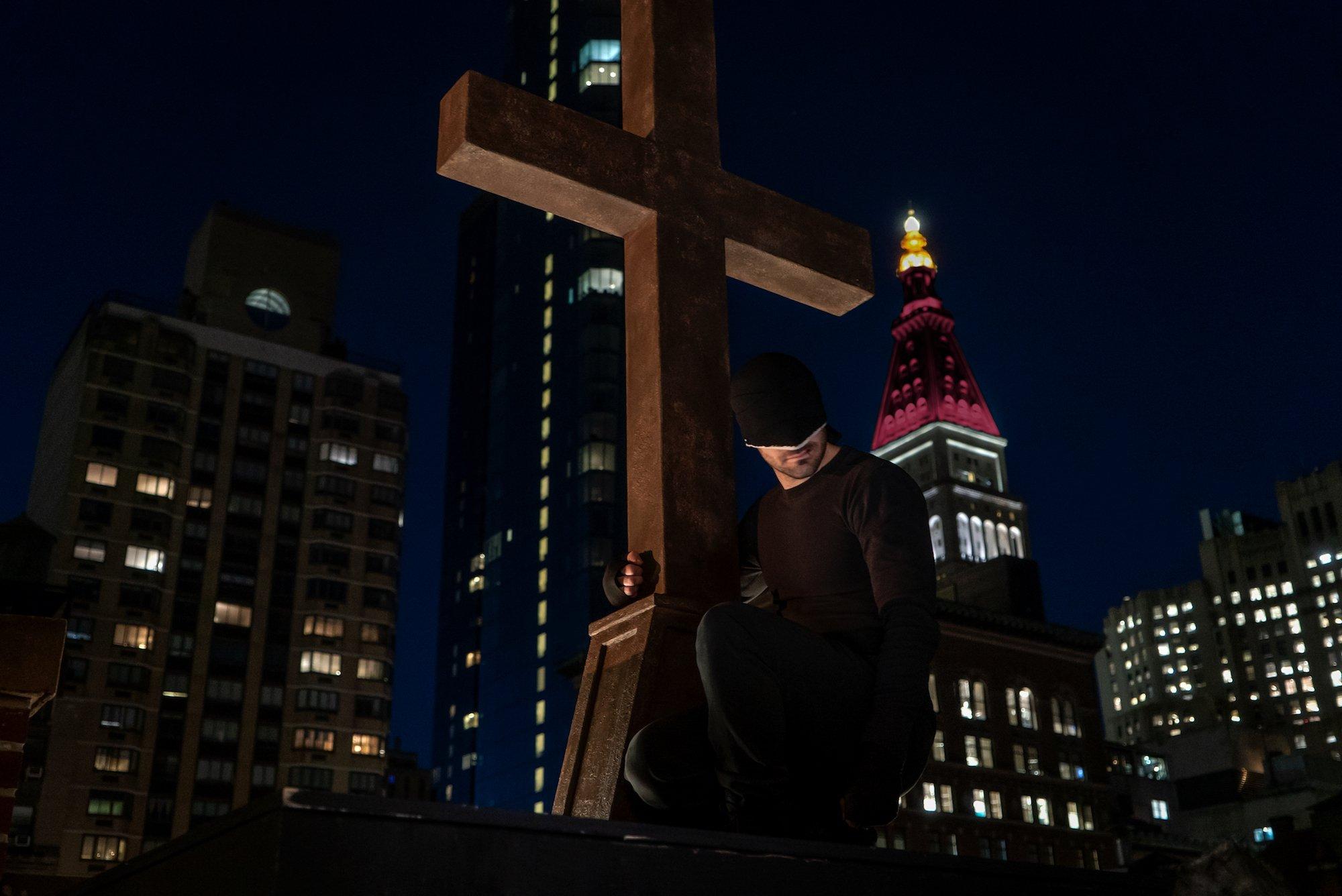 Photo de la troisième saison de la série Daredevil dirigée par Erik Oleson avec Matt Murdock