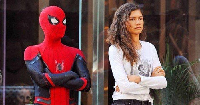 Photo de la fin du tournage du film Spider-Man: Far From Home avec Tom Holland et Zendaya