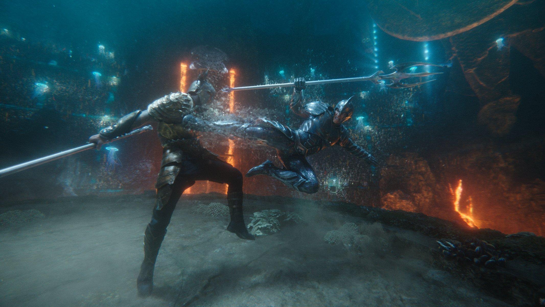 Photo du film Aquaman réalisé par James Wan présentant le combat de rois